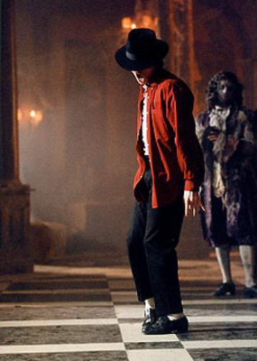 Behind-the-scenes-in-the-making-of-ghosts-michael-jacksons-ghosts-33103398-285-400